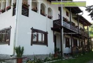 Pensiunea Casa Flori - Cazare Bucovina, Cazare Moldovița - Exterior intrare frontal
