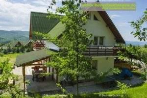 Pensiunea Vârfu cu Dor - Cazare Bucovina, Cazare Vârfu Dealului, Cazare Gura Humorului - Exterior lateral terasă